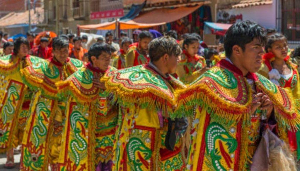 Danças folclóricas na Bolivia