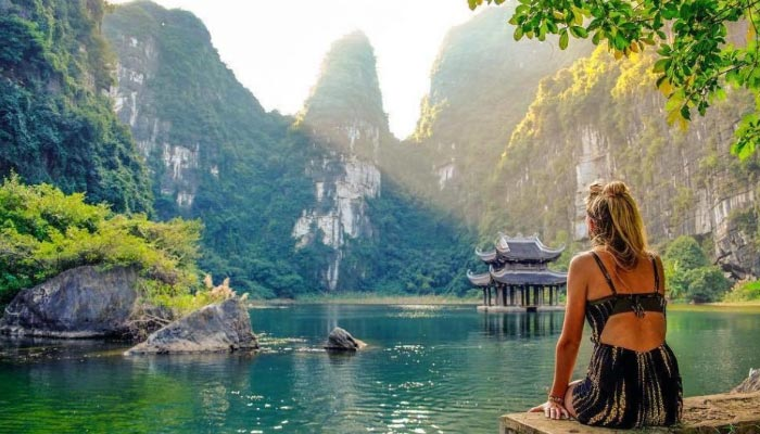 Ninh Binh cidade é uma pequena cidade no Delta do Rio Vermelho do norte do Vietnã
