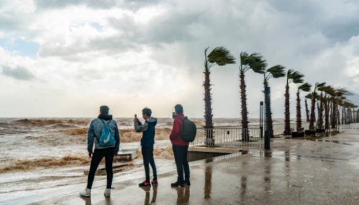 Mar-agitado-na-tempestade