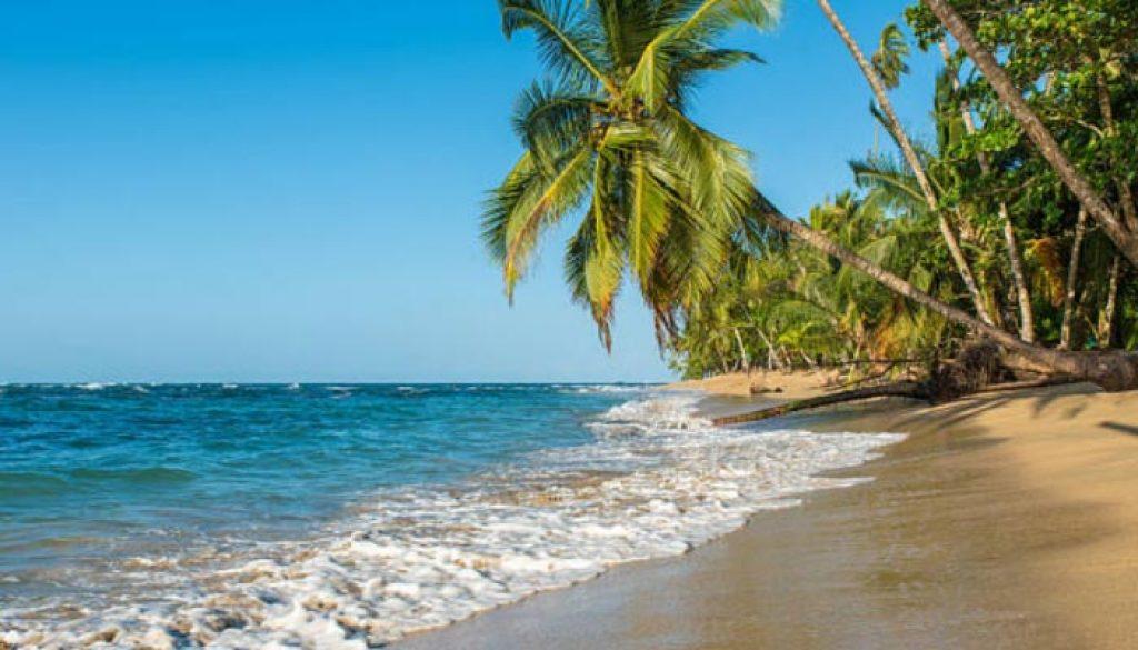 praia-de-punta-uva-costa-rica