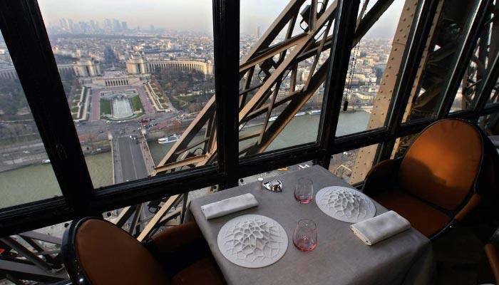 restaurante-em-paris-no-alto-da-torre