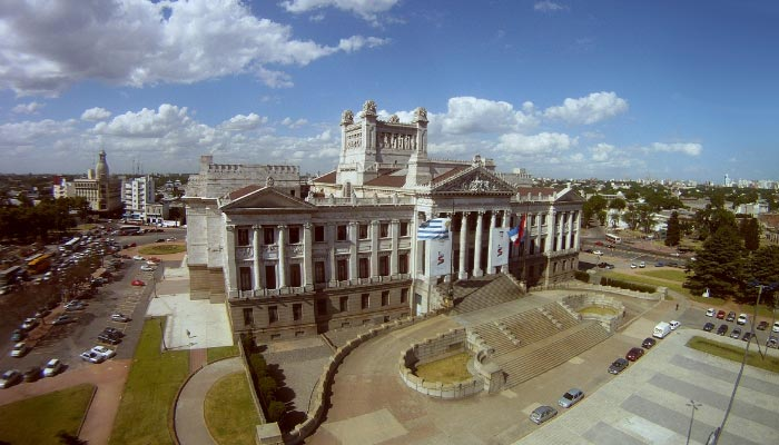 palácio-legislativo-montevideo