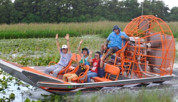 Boggy-Creek-Airboat-Rides