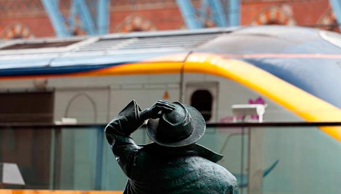 Trem Paris-Londres pelo canal da mancha
