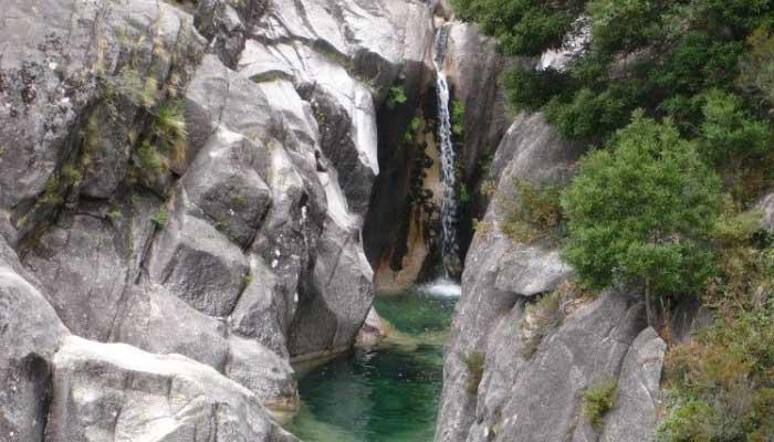 Cascata-do-Arado-em-Penada-geres-Portugal