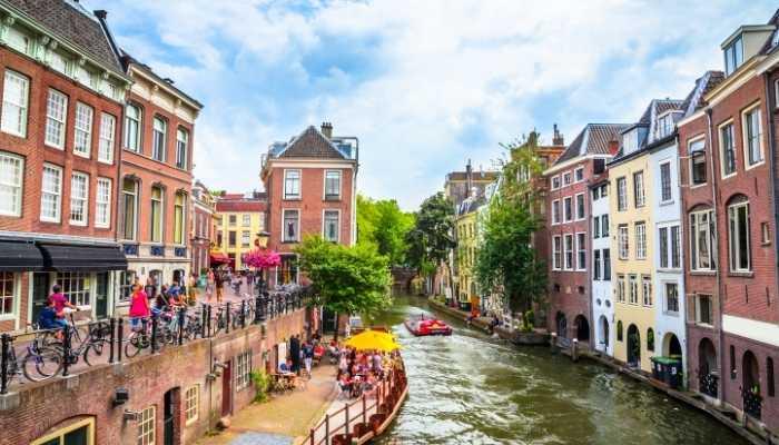 Canal de Utrecht na Holanda é o canal mais antigo do mundo